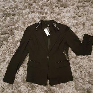 White house/ Black market blazer